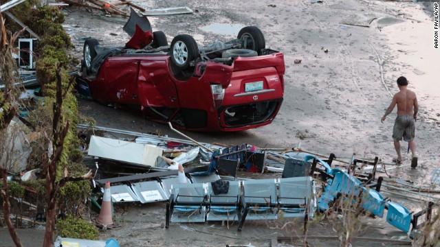 'Worse than hell' in typhoon-ravaged Philippines  131109194449-01-typhoon-haiyan-1109-horizontal-gallery