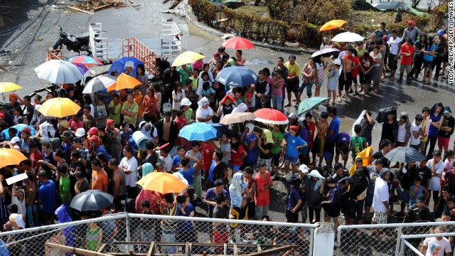 'Worse than hell' in typhoon-ravaged Philippines  131110000526-04-typhoon-1110-horizontal-gallery