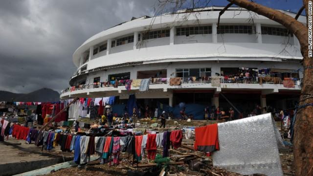 'Worse than hell' in typhoon-ravaged Philippines  131110074918-07-haiyan-1110-horizontal-gallery