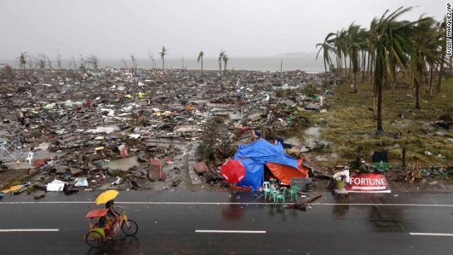 'Worse than hell' in typhoon-ravaged Philippines  131110103138-10-haiyan-1110-horizontal-gallery