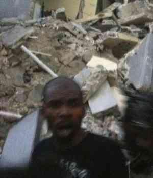 MI SENTIMIENTO HABLA... - Página 2 Terremoto-en-haiti-300x350