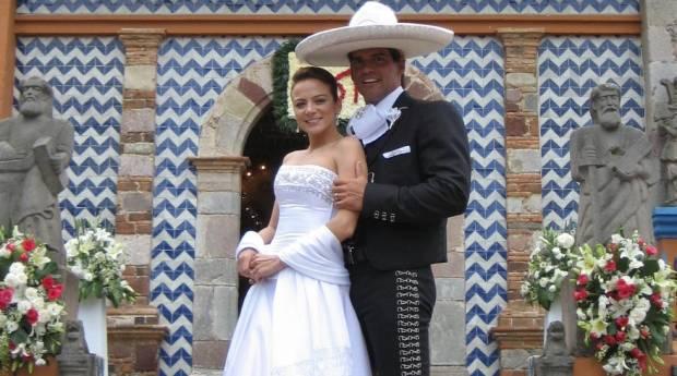 Храбрая любовь...когда приказывает сердце/Amor bravío...Cuando manda el corazón... Silvia-navarro-y-cristian-boda-620x345