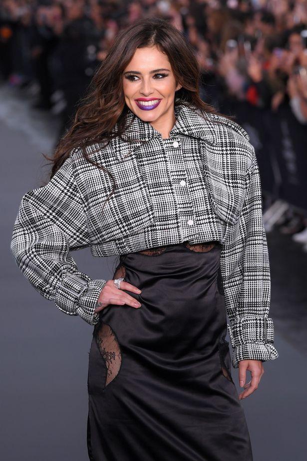 Cheryl Cole - Página 6 LOreal-show-Runway-Spring-Summer-2018-Paris-Fashion-Week-France-01-Oct-2017