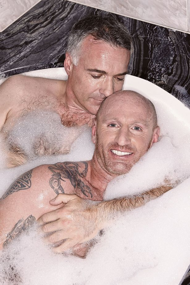 The Culture Cup Round x - Adam is a naughty naughty boy - Page 20 Gareth-Thomas-and-his-boyfriend-Ian-appear-on-the-cover-of-Attitude-magazine-naked-in-the-bath