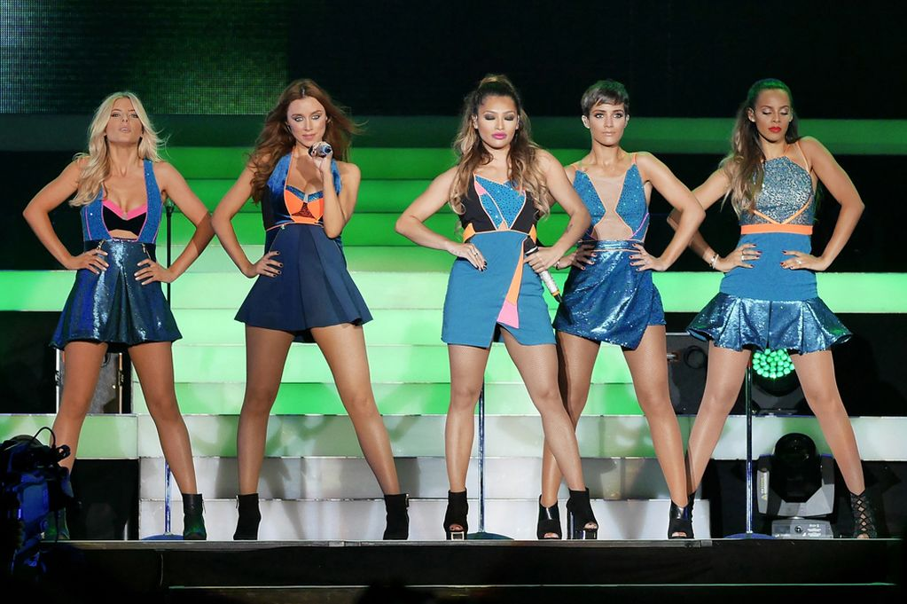 Promoción >> Nueva era The-Saturdays-perform-at-Wembley-Arena