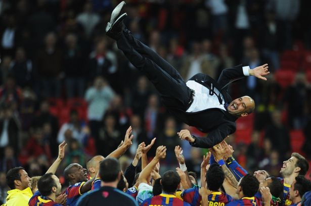 Predicción Barça campeón champions 2015 y 2016 - Página 40 Barcelona-players-throw-Pep-Guardiola-in-the-air-after-their-2011-Champions-League-win