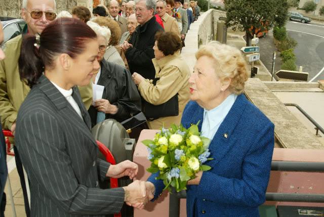 Estefanía de Mónaco - Página 2 2002