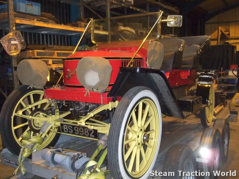 Stanley steam car at STW April027-1