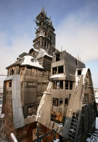 Worlds amazing buildings ! 31WoodenGagsterHouseArchangelskRuss