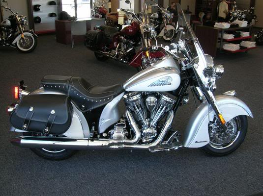 2009 Indian Motorcycles (Chief, Deluxe & Roadmaster) 2009ChiefRoadmasterSilverVIN110