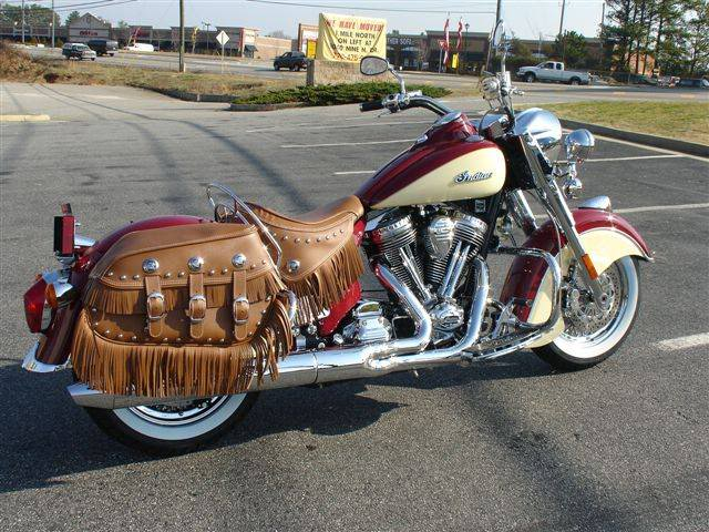 2009 Indian Chief Vintage Model (red and cream) ChiefVintage90RedonIvory