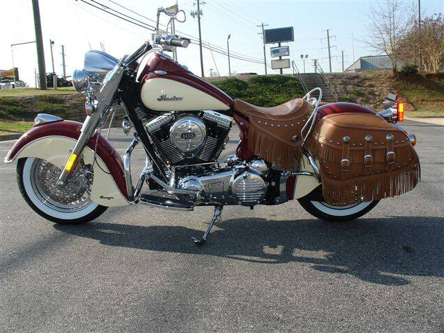 2009 Indian Chief Vintage Model (red and cream) ChiefVintage90b