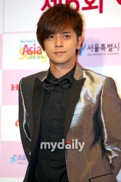 Show Luo representa a Taiwán en el Asia Song Festival; él quiere colaborar con Song Hye-Kyo Asiasongfestivalshow