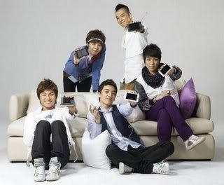 """Show Luo sobre Super Junior y Big Bang, """"La competición entre los dos grupos ídolos en corea parece intensa."""" BigBang-1"""