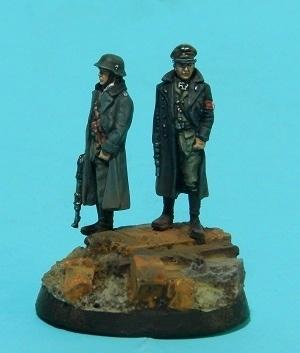 Oficiales alemanes (pequeño diorama con figuras (28mm) de Rafa Ramis) P6220040web