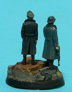Oficiales alemanes (pequeño diorama con figuras (28mm) de Rafa Ramis) P6220042web