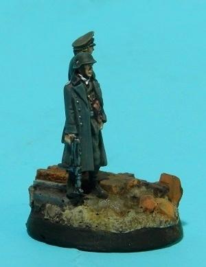 Oficiales alemanes (pequeño diorama con figuras (28mm) de Rafa Ramis) P6220043web