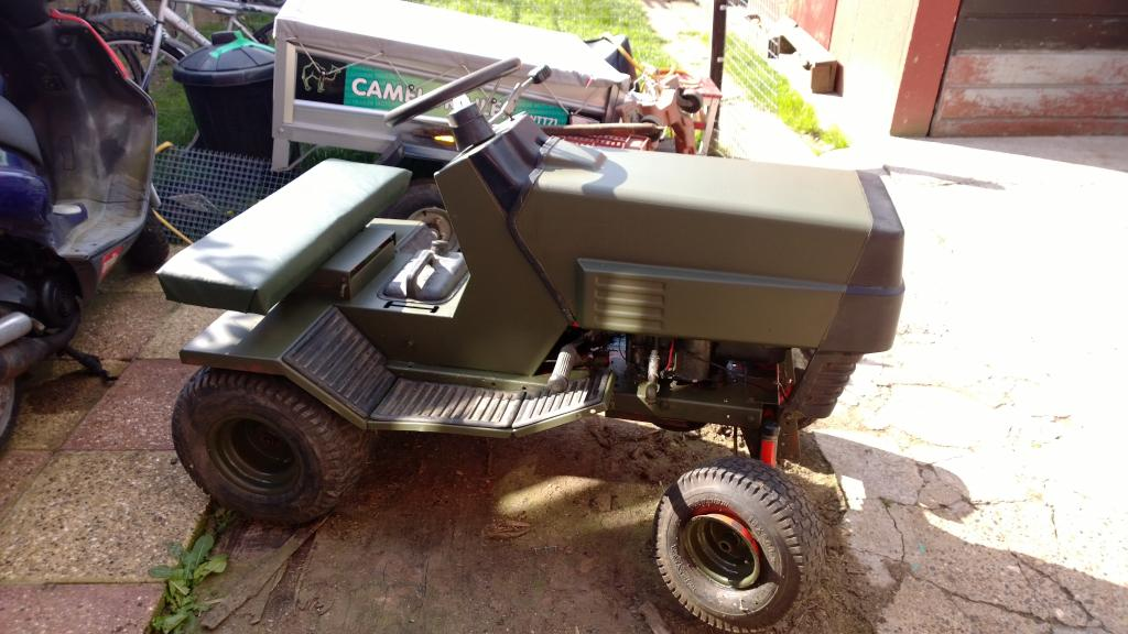 Craftsman mud Tractor Camomower002_zpscd5fbf28