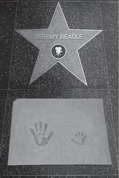 JEREMY BEADLE'S HANDS - King of jokes had a small little baby hand! (Poland syndrome) Jeremy_beadle