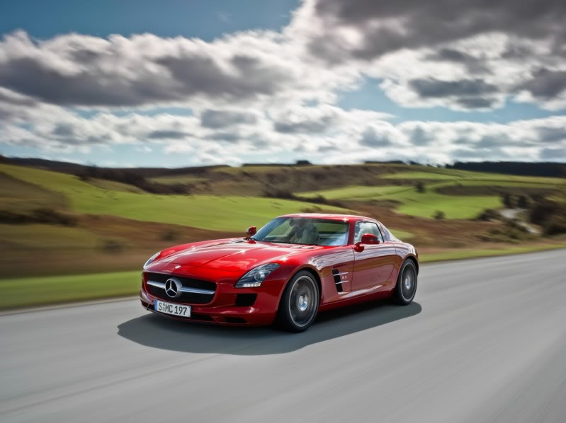 Favorite Supercars 2010-Mercedes-Benz-SLS-AMG-Red-Front-Angle-Speed-3-1280x960