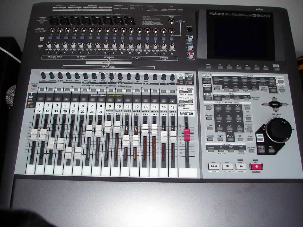 Audio Gear: VS-2480 Roland Digi Workstation PDR_3944