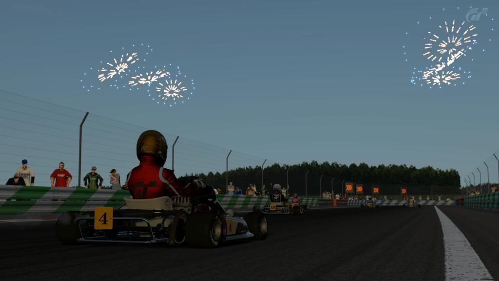 Todo listo para la primera carrera del Campeonato Regular de Gran Turismo 5 BahiacuteadeTokiokarts_1_zps96ad7bc2