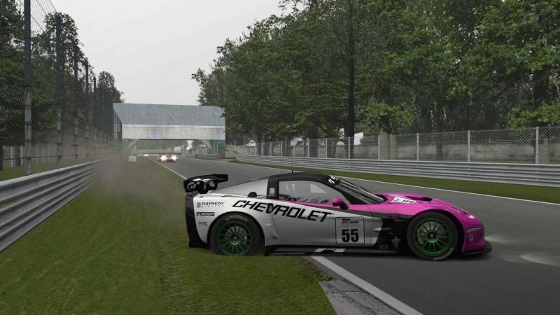 Final del Campeonato de Verano 2012 de GT5 con la victoria de abe_power en Monza Foto3-7