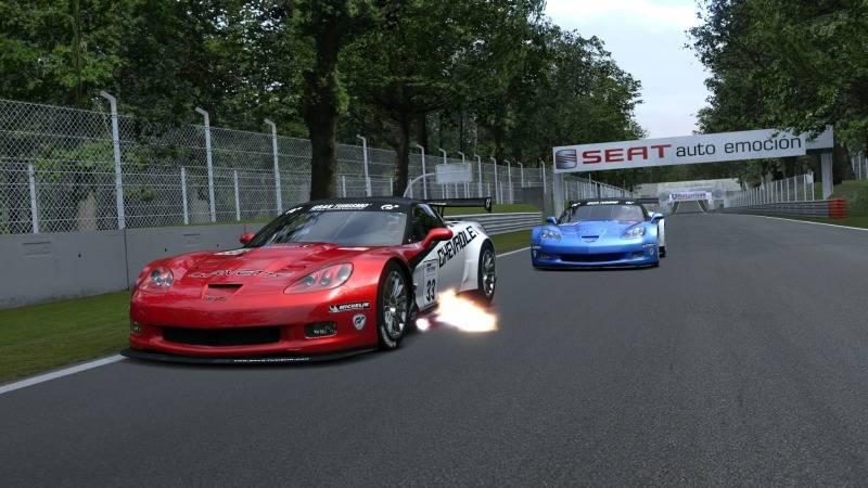 Final del Campeonato de Verano 2012 de GT5 con la victoria de abe_power en Monza Foto4-1