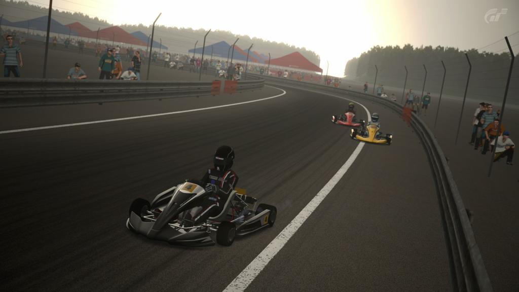 Neniko_18 (GT1) y Nacho2112 (GT2) primeros ganadores de la temporada en GT5  Poli1-1
