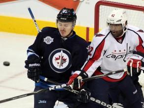 Īsziņa: Artūrs Kulda izskata iespējas turpināt karjeru KHL 2012-06-26_kulda_arturs_winnipeg_vs_wash_2011_11_17_nhl_com