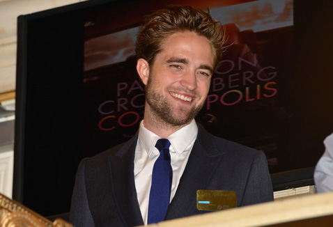 Роберт Паттинсон (Robert Pattinson) - Страница 11 Img_740292eb79defcfaa96c62208d8dde20