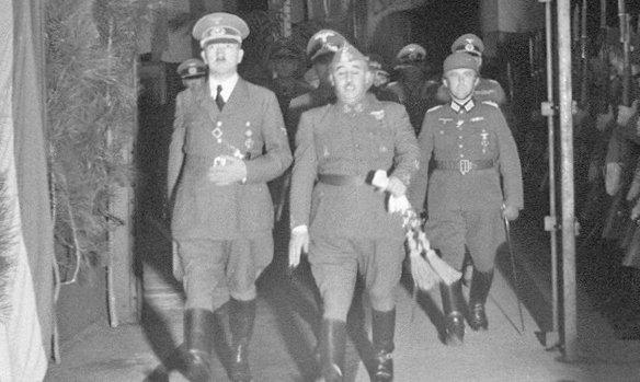 ¿Que estatura tenían Franco, Stalin, Churchill, Mussolini? Manipulada