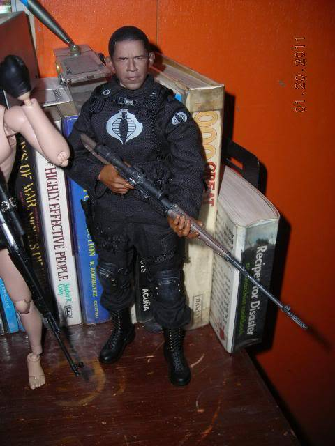 Anyone here into 1/6 or 12 inch action figures? DSCN8398