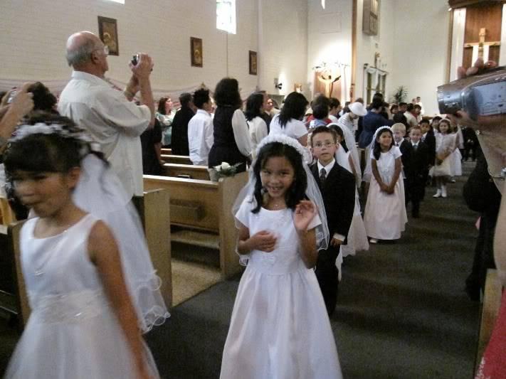 Abri & Ari's 1st Holy Communion May 2009 WIMG_2187