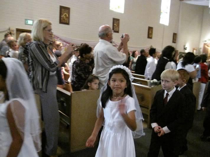 Abri & Ari's 1st Holy Communion May 2009 WIMG_2188