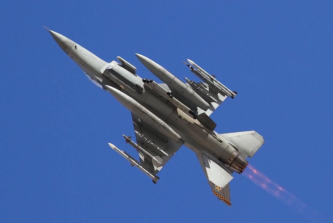 F-16 around the world - Page 29 IMG_1030_FC-1