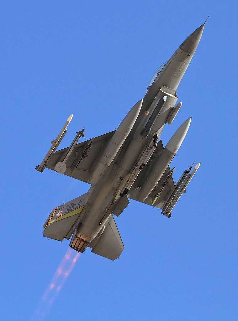 F-16 around the world - Page 29 IMG_1039_FC