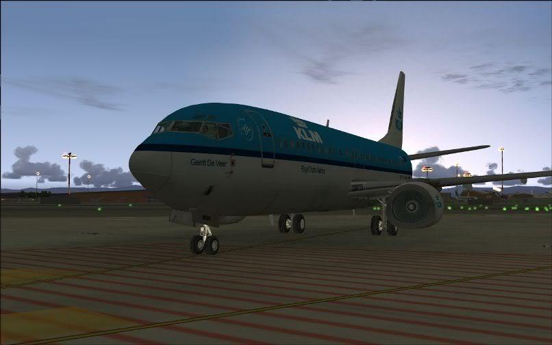 [FS9] LIRF - LOWI / 737 KLM FS2004-001
