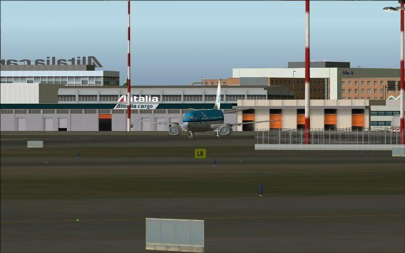 [FS9] LIRF - LOWI / 737 KLM FS2004-006