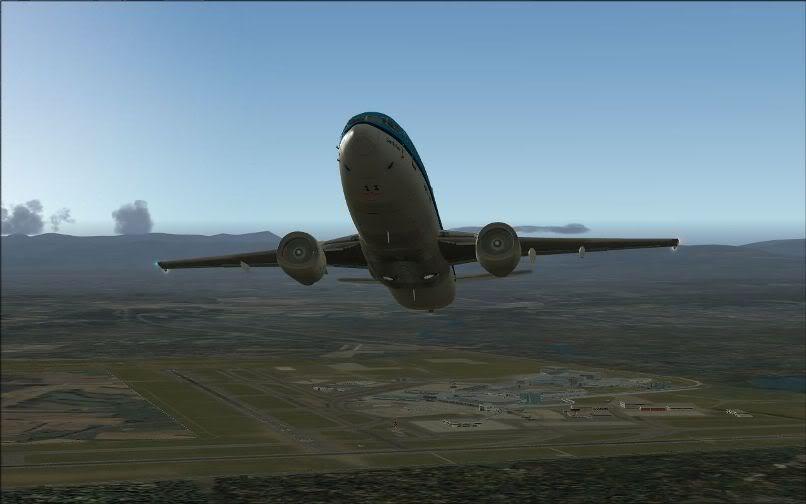 [FS9] LIRF - LOWI / 737 KLM FS2004-010