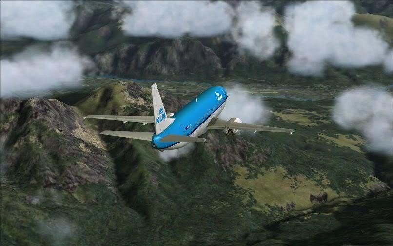 [FS9] LIRF - LOWI / 737 KLM FS2004-020