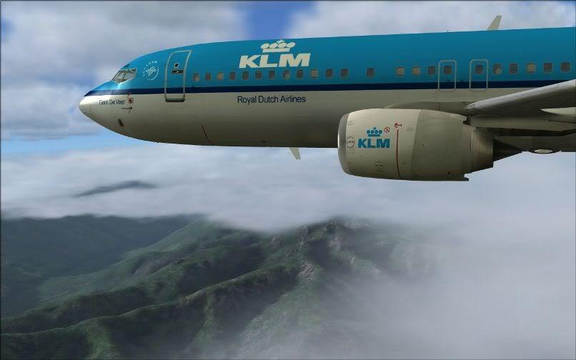 [FS9] LIRF - LOWI / 737 KLM FS2004-026