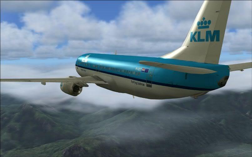 [FS9] LIRF - LOWI / 737 KLM FS2004-027