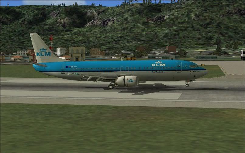[FS9] LIRF - LOWI / 737 KLM FS2004-034