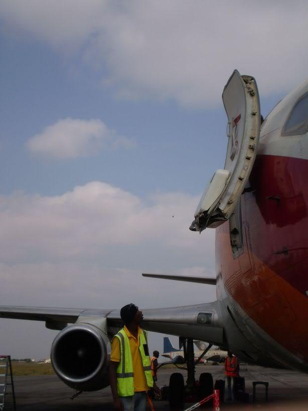 [REAL] Luanda - Benguela / 737-200 TAAG P6170036