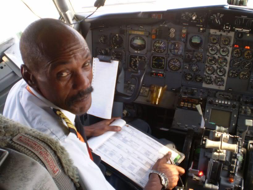 [REAL] Luanda - Benguela / 737-200 TAAG P6170069