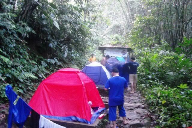 Treking ke Kem Lolo & G.Nuang Anjuran MBC (11-12 Feb 2012) SDC16318
