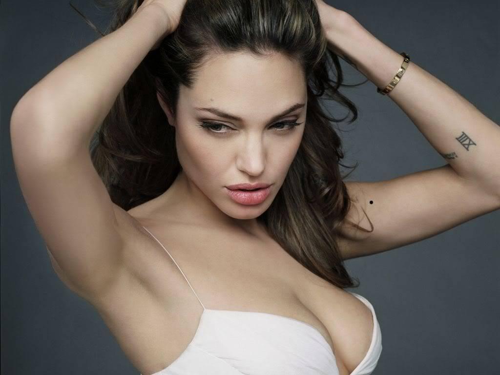 As mulheres mais belas do mundo!!! Angelina-Jolie-135