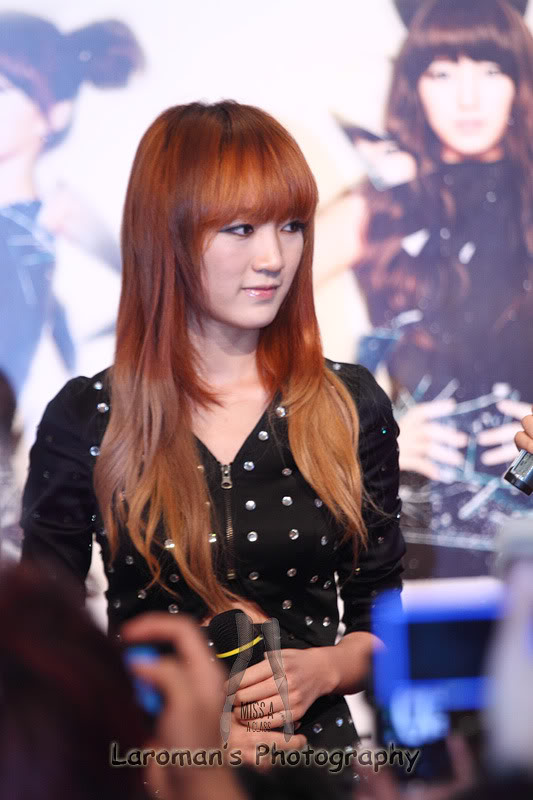 Miss A firma de discos en Singapur MissA110929_11