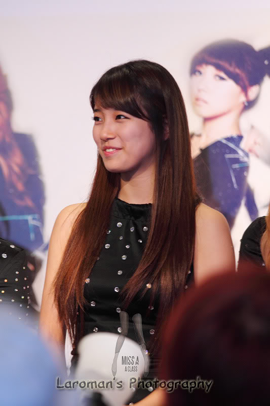 Miss A firma de discos en Singapur MissA110929_13